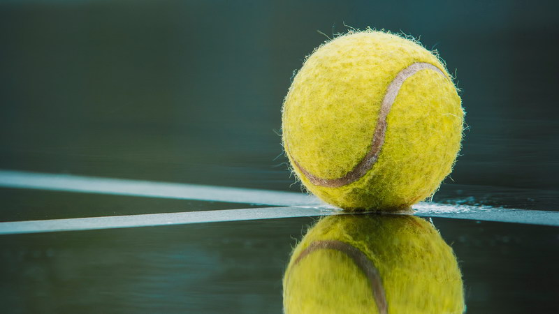 Tennis ball with selective focus